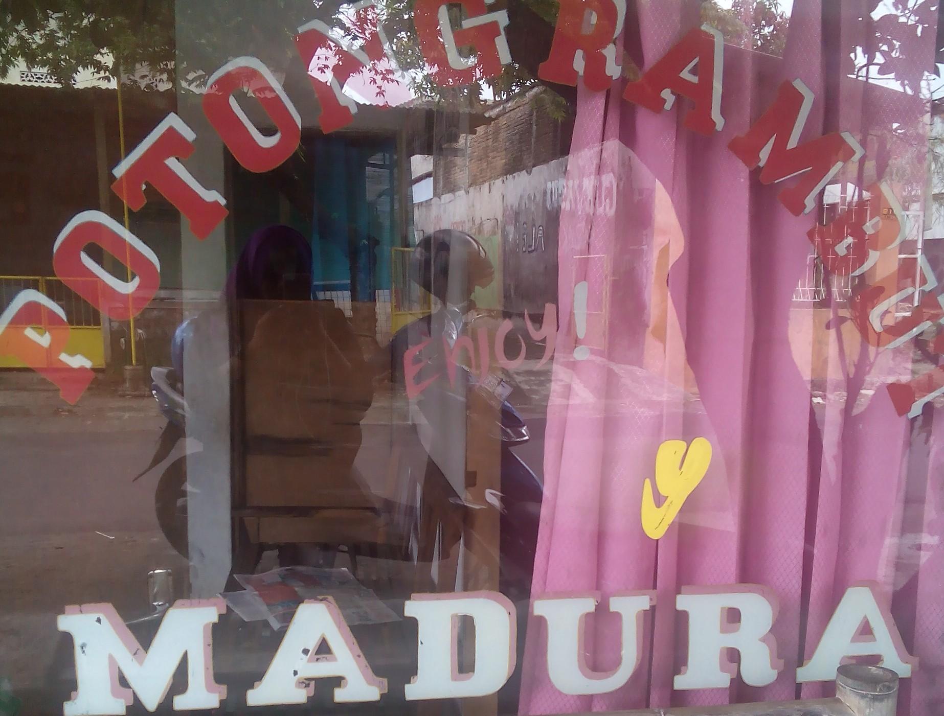 Selama kepala ditumbuhi rambut, orang Madura bisa hidup
