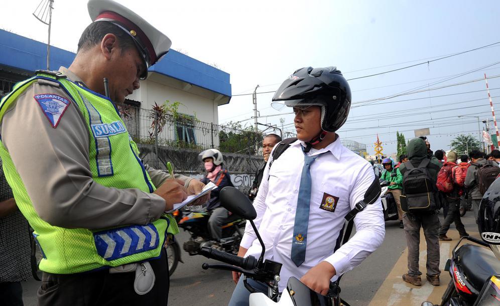 Ini ciri-ciri razia lalu lintas oleh polisi yang sah dan legal