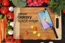 Keren! Samsung merilis Galaxy Blade, smartphone berbentuk pisau
