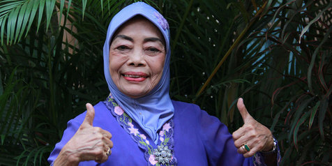Ini 4 nenek yang tetap eksis dan enerjik di dunia hiburan Indonesia