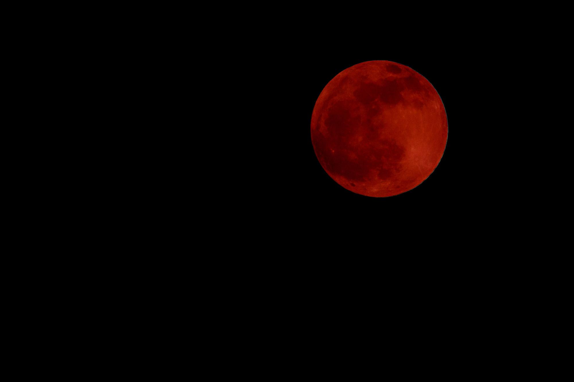 Ini dia 5 gerhana bulan total berdurasi paling lama sepanjang sejarah