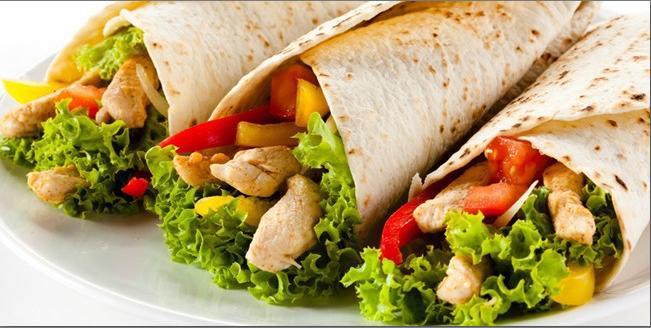 Kebab Turki di Indonesia dengan di negara asalnya beda lho, upps!