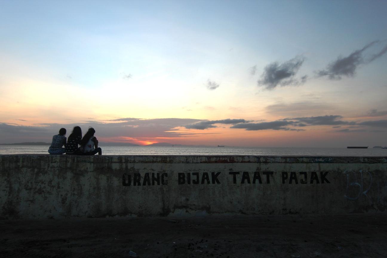 Wih, Tembok Berlin juga ada di Sorong, Papua loh...