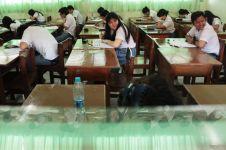 SMA di Bekasi swadaya tambah komputer dan genset untuk UN, salut!