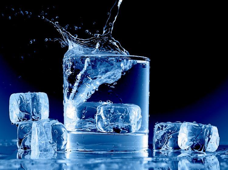Hati-hati, minum air dingin bisa memicu penyakit diabetes