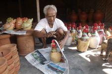 Mbah Karyo perajin Kasongan tertua yang eksis sejak zaman Belanda
