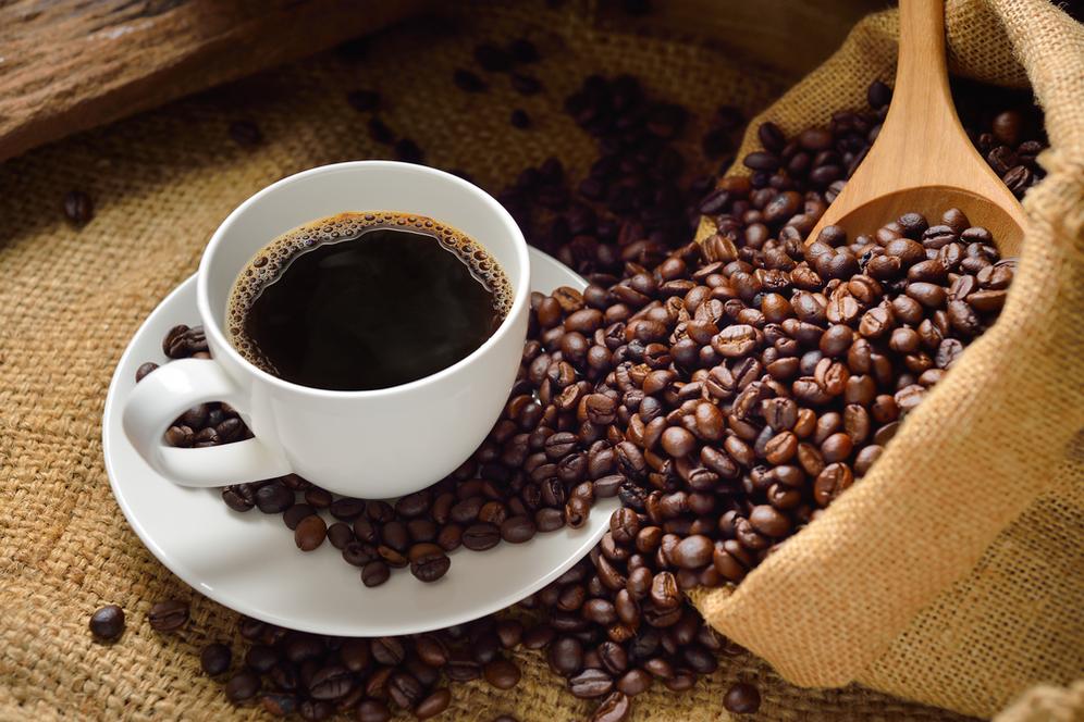 Nggak cuma bikin mata melek, kopi punya banyak manfaat buat kecantikan