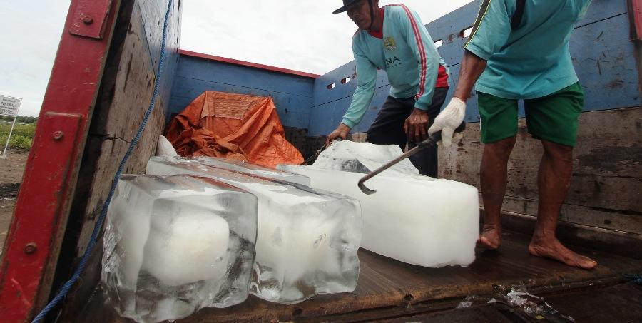 Es batu yang kamu minum dari air mentah atau air matang?