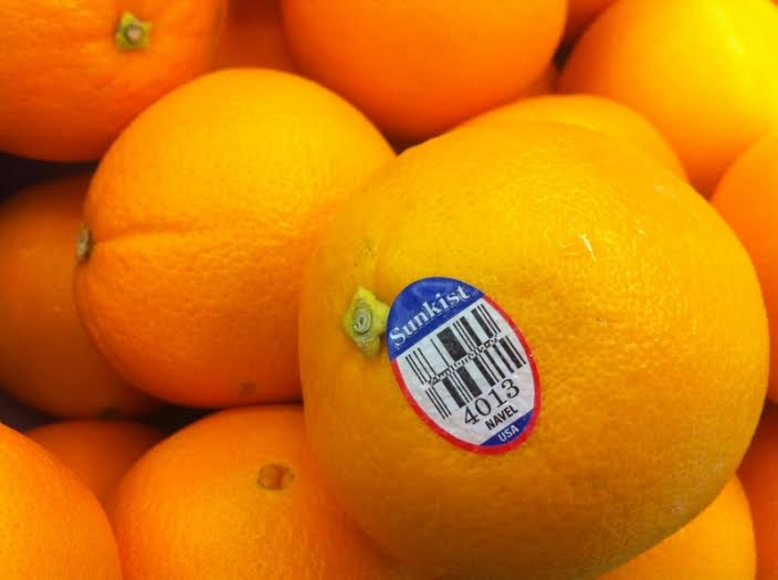 Takut beli buah non-organik? Kamu bisa coba cek stikernya dulu