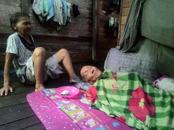 Kisah pilu sepasang kakek nenek, hidup di gubuk dalam kondisi sakit
