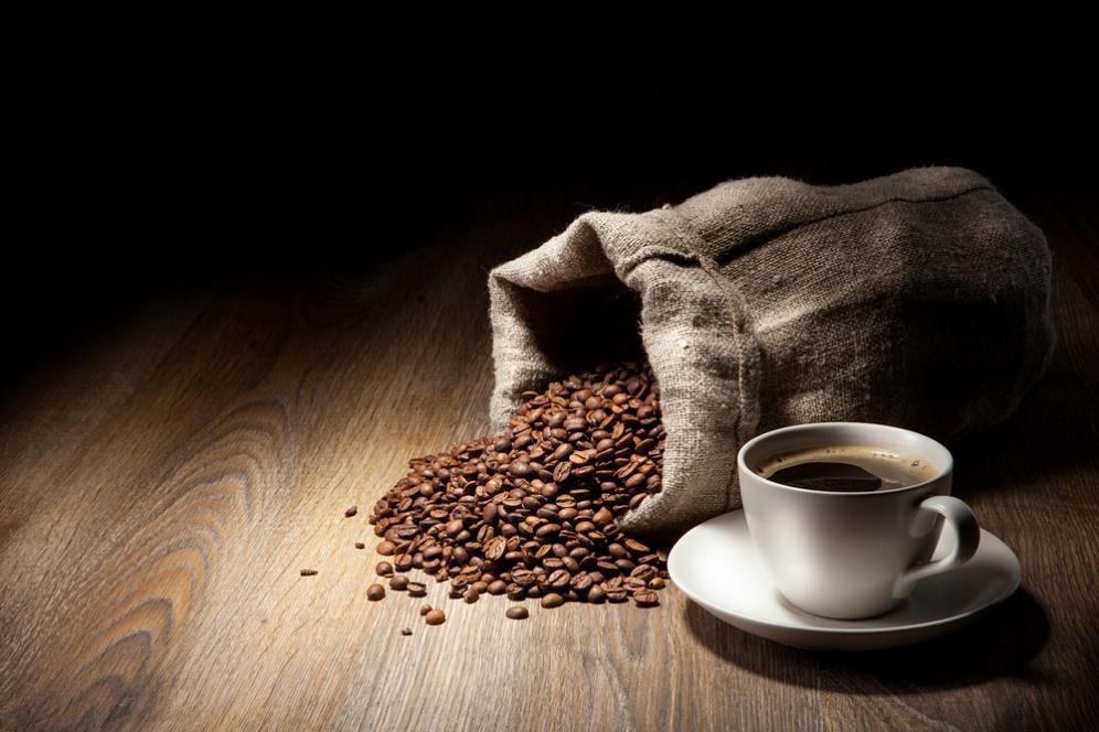 Rutin minum kopi pahit terbukti bisa mencegah pikun