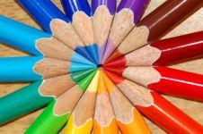 Kamu lagi stres? Pilih 7 warna ini agar hati kamu damai, coba deh!