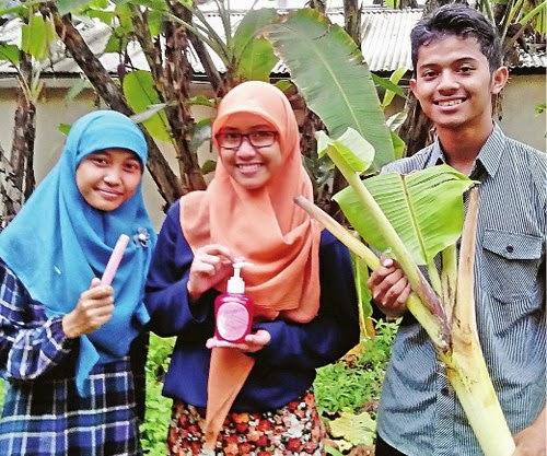 Pelepah pisang disulap jadi antiseptik, anak-anak muda ini pelakunya