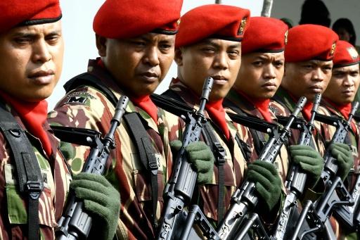 Ini makna beda miringnya pemasangan baret TNI, Polri, dan Pramuka