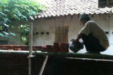 Kisah Tatang, tukang bangunan yang sampai harus tolak pekerjaan