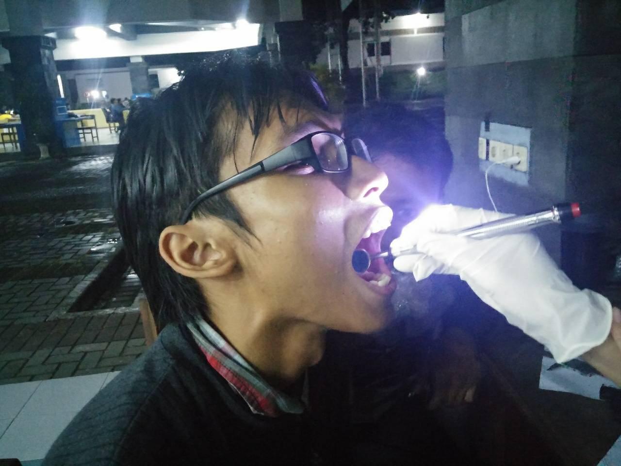 Dengan 'mediglow' dokter gigi tak perlu lagi pakai senter, keren!