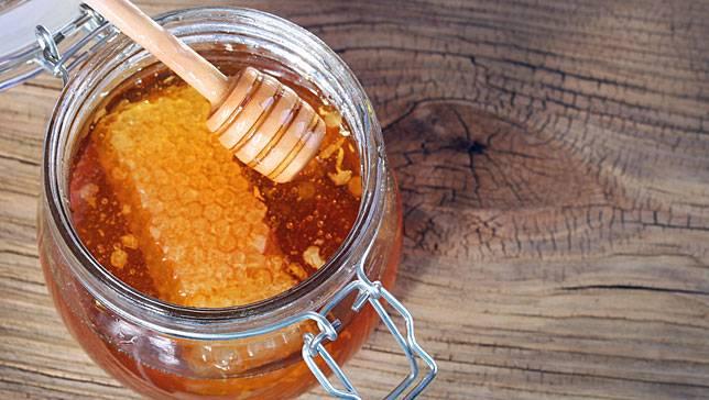 5 Manfaat madu untuk kulit dan rambut