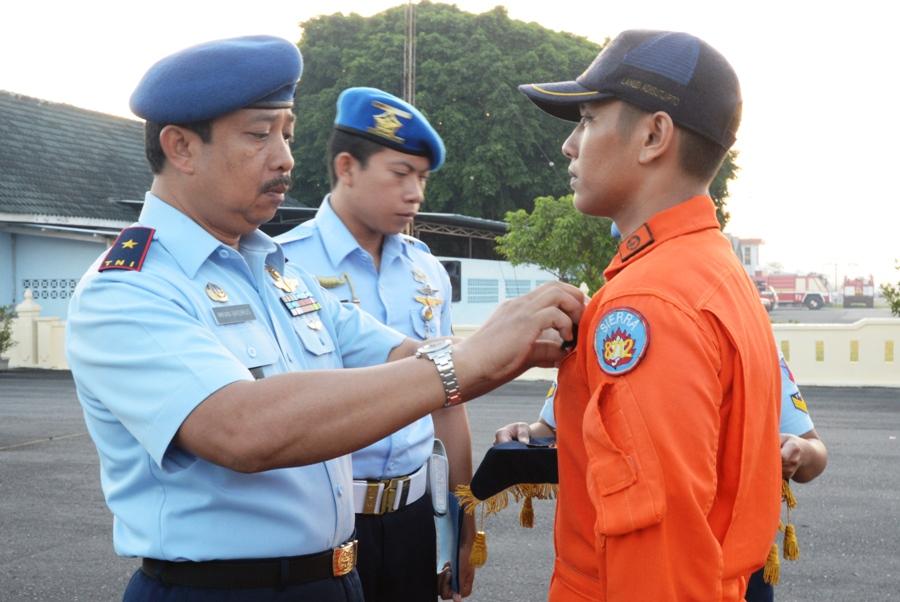 Ini tradisi sakral kelulusan pendidikan pilot pesawat tempur TNI AU