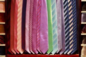 Sejarah dasi, dari aksesori militer hingga pakaian formal