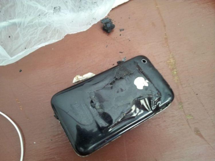 Nggak Cuma Di Luar Negeri IPhone Terbakar Juga Terjadi Di