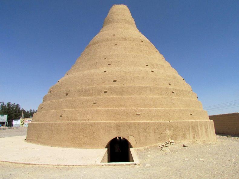 Kulkas raksasa kuno abad ke-17 di Iran, sepanjang tahun es tak mencair