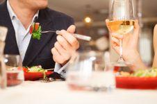 4 Hal yang sebaiknya tak kamu lakukan setelah makan