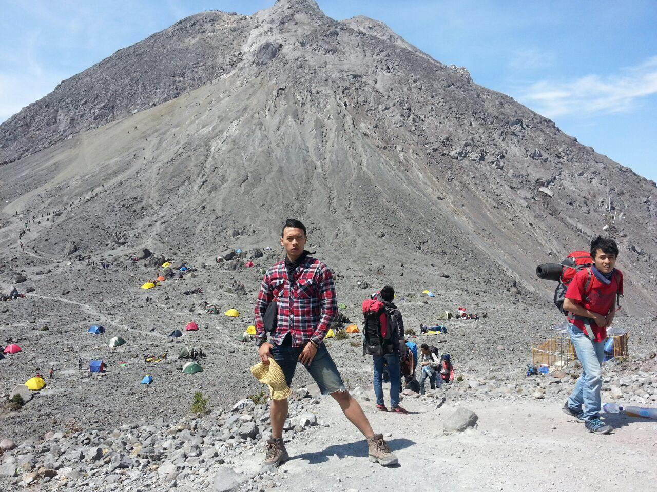 Mau mendaki Gunung Merapi? Berikut tips amannya