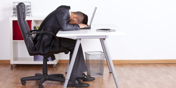 Duduk terlalu lama bisa bikin kekebalan tubuh menurun, walah!