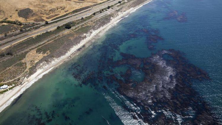 Mengerikan, pipa minyak pecah dan mencemari laut pasifik!