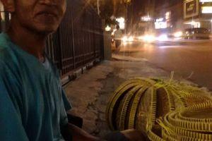 Suwono 15 tahun jualan tampah, untung cuma Rp 1.000 satu buah