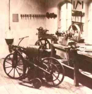 Ini nih sejarah lahirnya sepeda motor