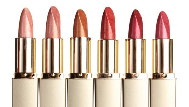 5 Alat makeup ini haram hukumnya kamu pinjamkan ke teman