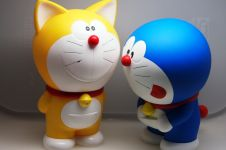 Aslinya Doraemon punya telinga dan berkulit kuning lho!
