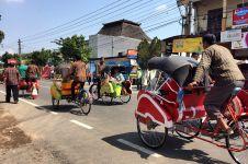 Sedih, salah satu tukang becak pengantar tamu Jokowi meninggal dunia