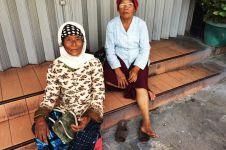 Berbekal nasi bungkus, dua nenek dari Purworejo datangi nikahan Gibran