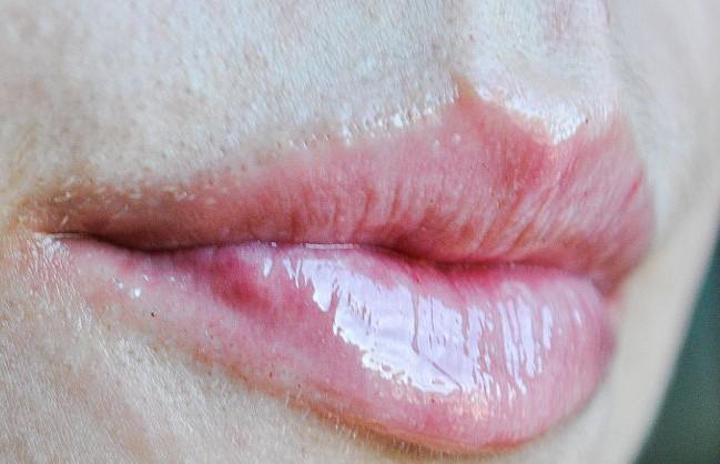Pengen bibir seksi kayak Kylie Jenner? Kamu cuma perlu kayu manis