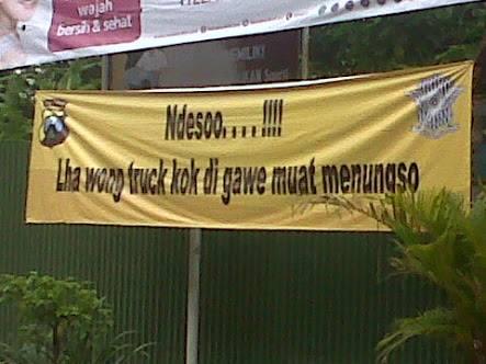 Peringatan unik, hanya ada di Indonesia, malah lucu ya?