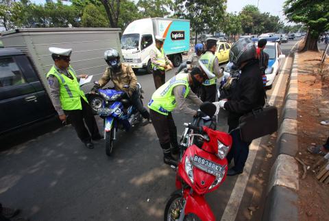 VIDEO: Momen tilang polisi yang memiliki surat tugas