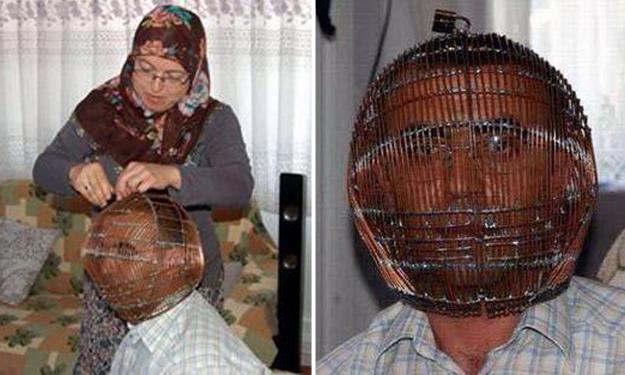Perokok berat ini mengurung kepalanya agar khusyuk berpuasa Ramadan