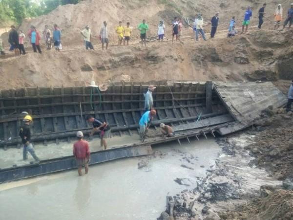 Artefak ini ditemukan saat air danau mengering di Thailand