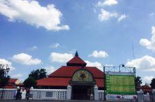 Tak cuma tempat shalat, masjid ini juga pengadilan masalah keagamaan