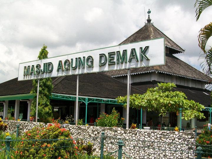 Kemegahan Masjid Demak, tempat Wali Songo bermusyawarah adakan sekaten