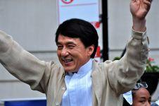 Ini harta Jackie Chan dan pendapatannya selama 1 tahun, dahsyat!