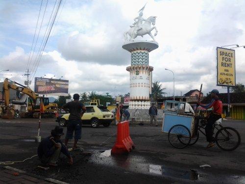 Siapa sih patung yang ada di simpang 5 Wates, Kulon Progo?
