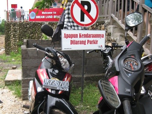 Banyak orang Indonesia suka langgar aturan, 15 foto ini buktinya!