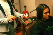 Velaterapia, perawatan bakar rambut ngehits ala model seksi Brasil