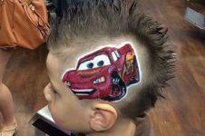 10 Gambar keren ini dibuat oleh tukang cukur cuma memakai rambut!