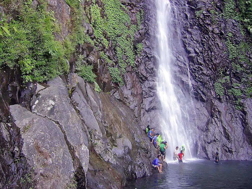 Longsor di air terjun Sedudo, pohon jatuh dari ketinggian 90 meter