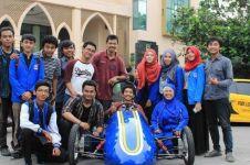 Pertama di Indonesia, mobil listrik berbasis Android buatan mahasiswa
