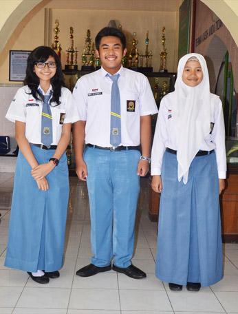 Model seragam sekolah pelajar Indonesia dari masa ke masa